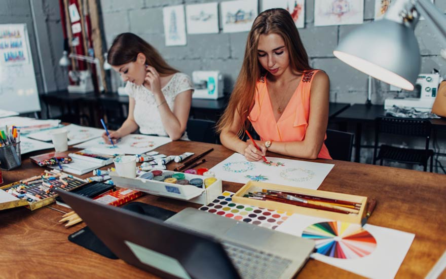 Learn graphic design and marketing online